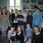 Uczniowie Gimnazjum nr 6 w Bielsku-Białej, opiekunka grupy Pani Anna Jarosz, trenerka Zofia Michalik i dr Ryszard Kulik.