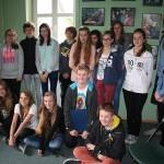 Uczniowie Gimnazjum nr 5 w Bielsku-Białej, opiekunka grupy Pani Maria Sidor, trener Jan Chudzyński i dr Anna Gierlińska.