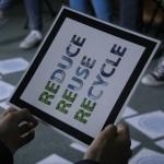 Zasada nr 1 obrońcy środowiska – redukuj, wykorzystuj ponownie, oddawaj do recyklingu.