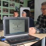 """""""Planowanie i przebieg konferencji prasowej (drama + analiza)"""" warsztat prowadzony przez Bartłomieja Kurasia, dziennikarza Gazety Wyborczej."""